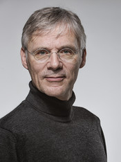 Dr Andreas Helfen