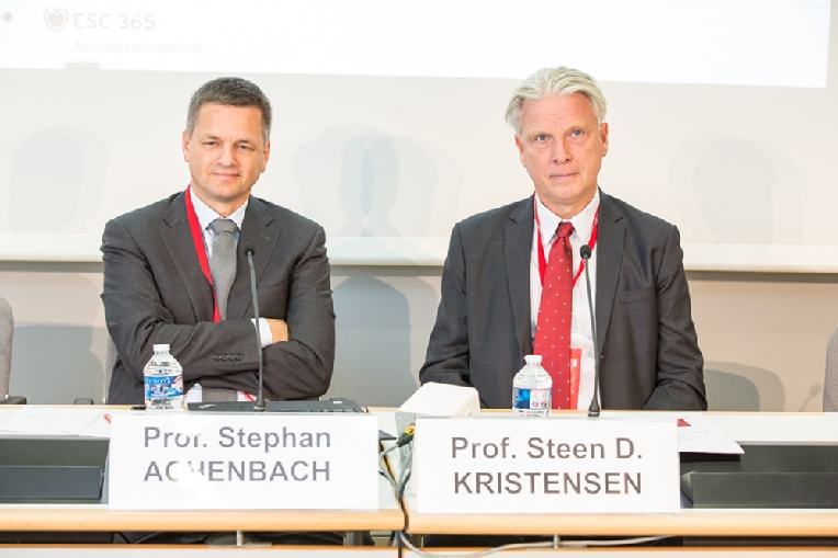 011-2018-08-25-esc-congress-press.jpg