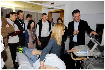 Hands-on echo session with a group of participants ledby Dr Christian Matter from the University Heart Centre Zurich (right).